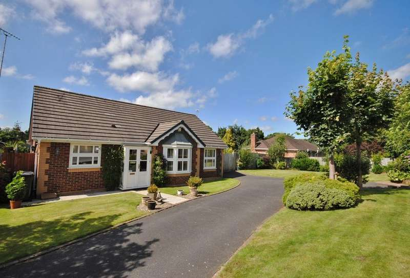 2 Bedrooms Detached Bungalow for sale in Kelso Way, Tytherington