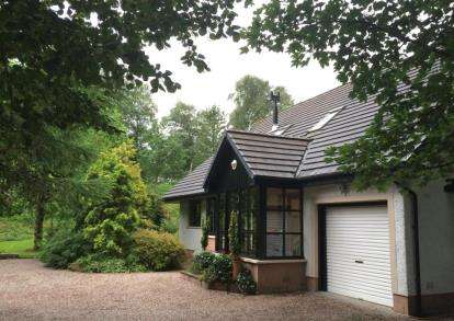 5 Bedrooms Detached House for sale in Park Road, Paisley