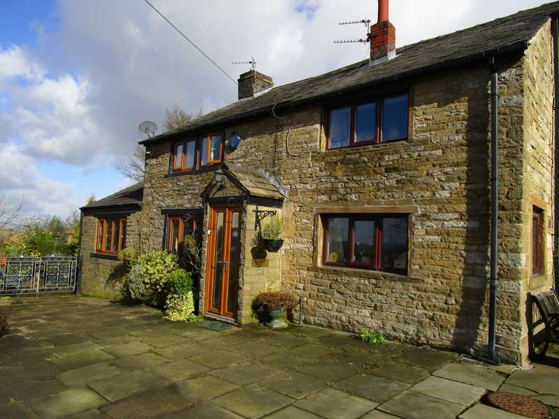3 Bedrooms Cottage House for sale in Buckstones Road, Shaw