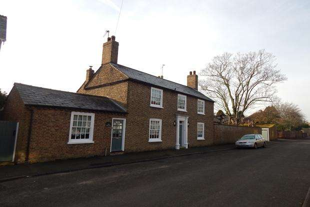 4 Bedrooms Detached House for sale in South Park Street, Chatteris, PE16