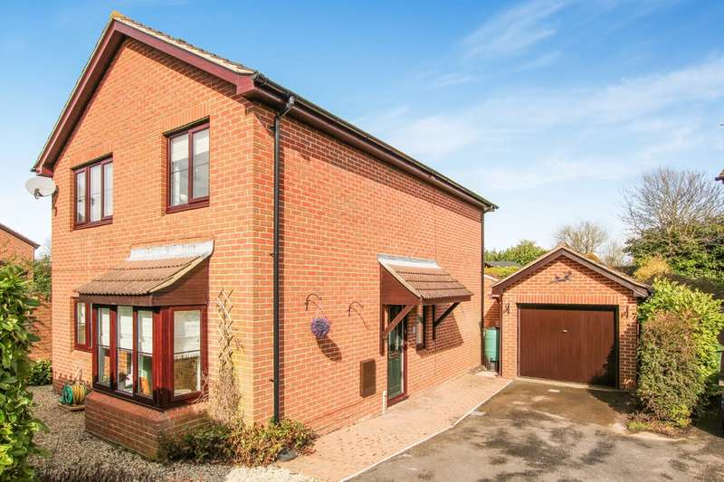 4 Bedrooms Detached House for sale in Sixpenny Lane, Chalgrove, Oxford