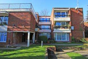 2 Bedrooms Flat for sale in Ragwort Court, 14 Lawrie Park Gardens, Sydenham