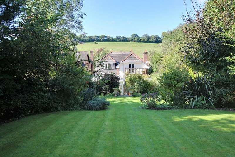 4 Bedrooms Detached House for sale in CATHERINGTON