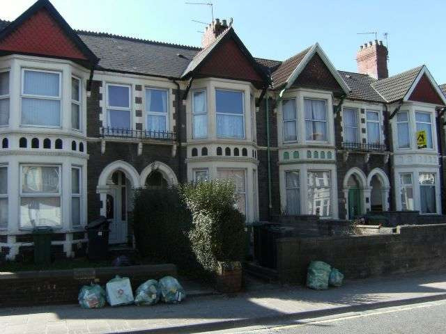 2 Bedrooms Flat for rent in WHITCHURCH ROAD - Spacious, Furnished 1st Floor Flat close to the University Hospital of Wales