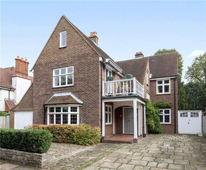 4 Bedrooms Detached House for sale in Eastgate Gardens, Guildford, Surrey, GU1