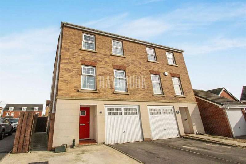 3 Bedrooms Semi Detached House for sale in St Helens Avenue, Smithies