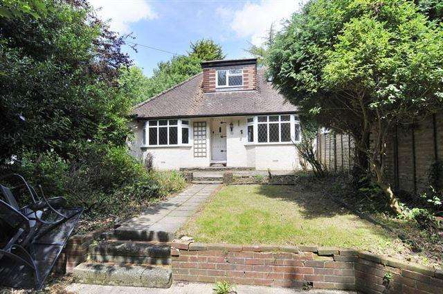 4 Bedrooms Chalet House for sale in High Street, Findon, Worthing, BN14 0ST