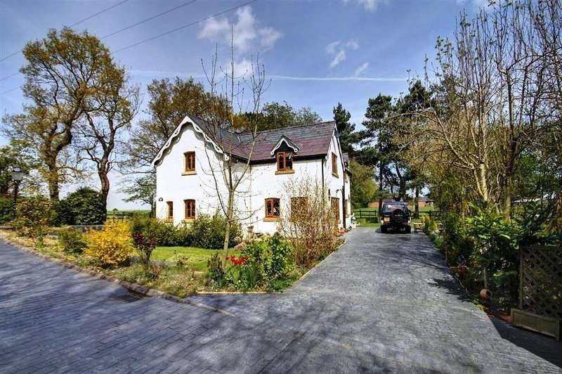 4 Bedrooms Detached House for sale in Agden House, Agden Lane, Lymm