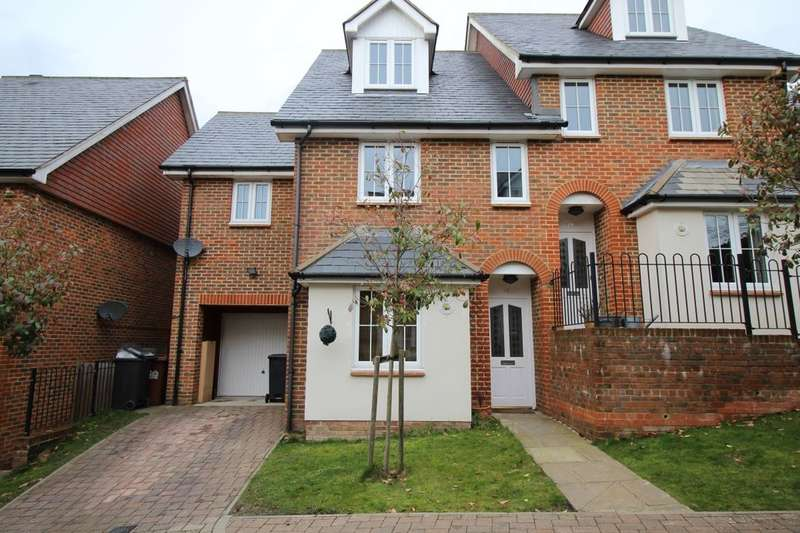 3 Bedrooms Semi Detached House for sale in Lincoln Way, Crowborough, TN6