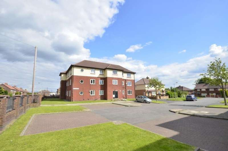 1 Bedroom Flat for sale in Highfield Court, Masefield Drive, Farnworth, Bolton, BL4
