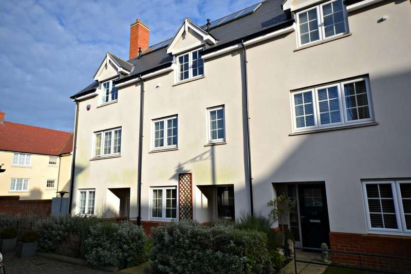 3 Bedrooms Terraced House for sale in 22 Bell College Court, South Road, Saffron Walden, Essex, CB11 3FA