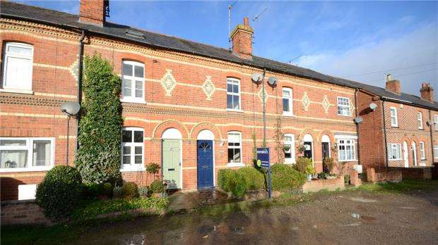 3 Bedrooms Terraced House for sale in Polsted Road, Tilehurst, Reading