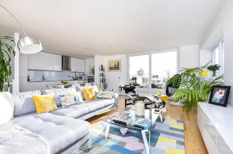 2 Bedrooms Flat for sale in West Parkside Greenwich SE10