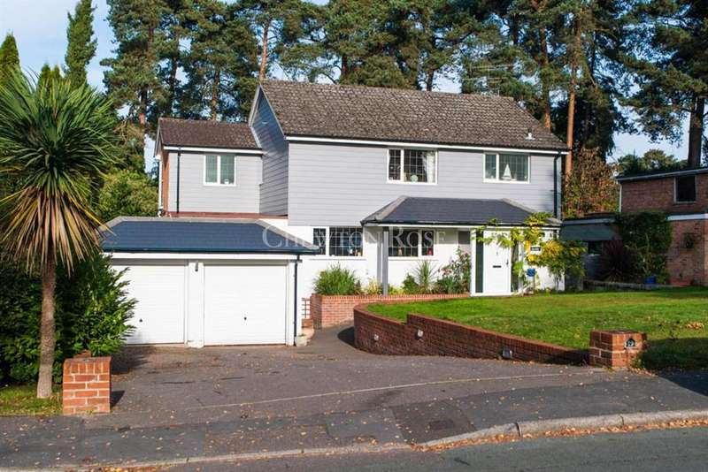 4 Bedrooms Detached House for sale in Azalea Way, Camberley