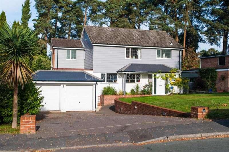 4 Bedrooms Detached House for sale in Azalea Way, Camberley