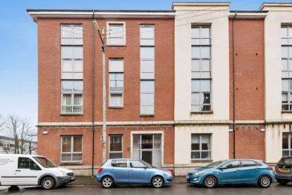 1 Bedroom Flat for sale in Alexandra Gate, Glasgow, Lanarkshire