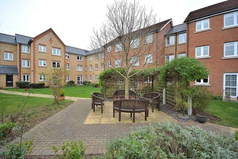 1 Bedroom Apartment Flat for sale in Albert Court, Railway Street, Braintree, Essex, CM7
