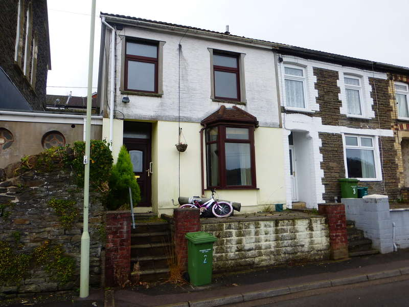 3 Bedrooms Terraced House for sale in Bodwenarth Road, Pontypridd