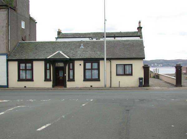 3 Bedrooms Cottage House for sale in Annielea Cottage, 50 East Clyde Street, Helensburgh, G84 7PG
