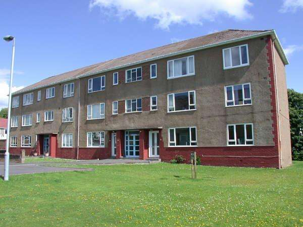 2 Bedrooms Flat for sale in Flat 2/2, 6 Sommerville Place, Helensburgh, G84 7AS