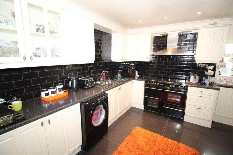 3 Bedrooms Semi Detached House for sale in Park Avenue, Kirkthorpe