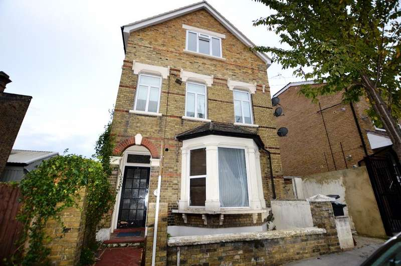 Studio Flat for sale in Borough Hill Croydon CR0