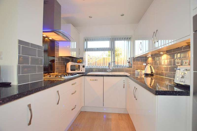 1 Bedroom Bungalow for sale in Wimple Road, Luton, LU4 0NP