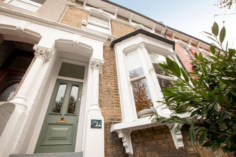 4 Bedrooms Terraced House for sale in Norcott Road, London
