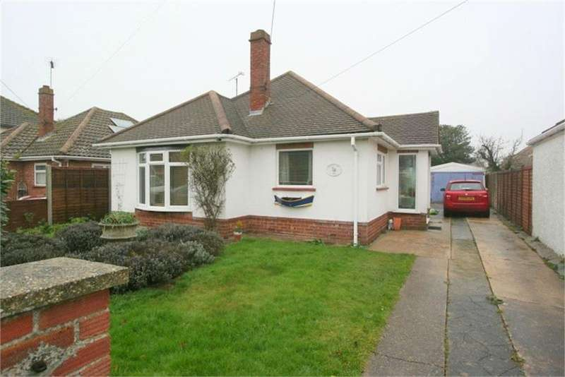 3 Bedrooms Detached Bungalow for sale in Percival Road, WALTON ON THE NAZE, Essex