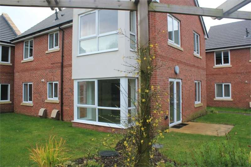 2 Bedrooms Detached House for sale in Apartment 9 Woodcock House, Larmenier Village, Blackburn