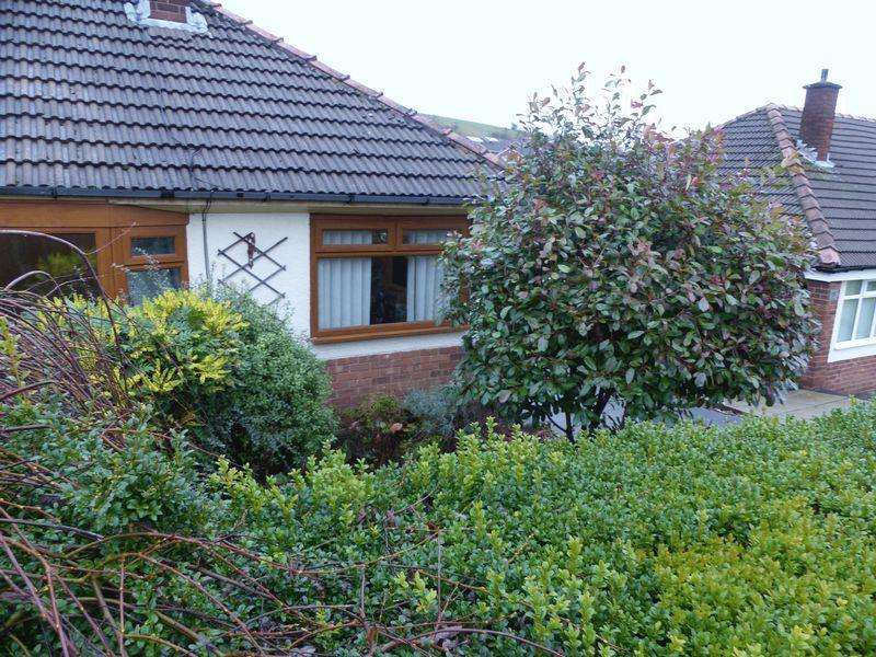 2 Bedrooms Semi Detached Bungalow for sale in Great Meadow, High Crompton, Shaw