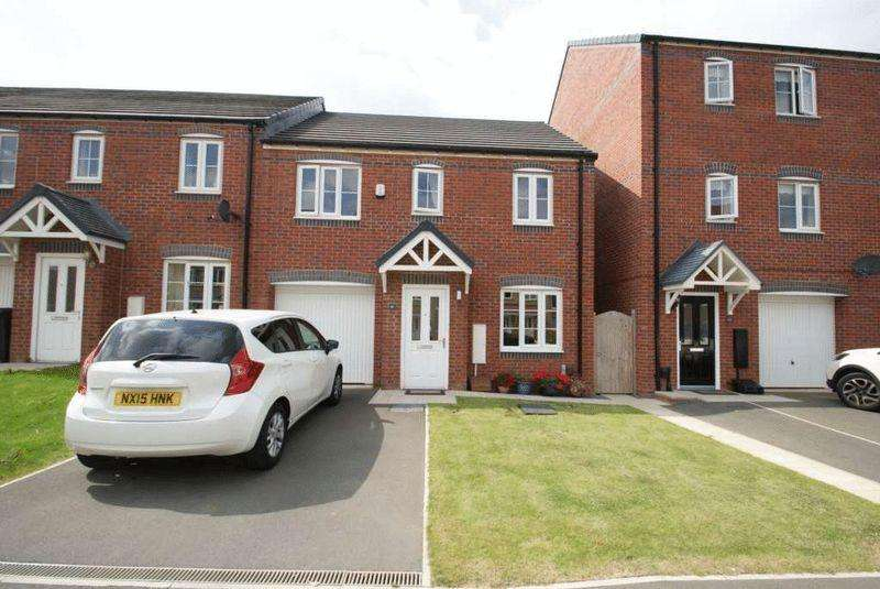 3 Bedrooms Semi Detached House for sale in Hoskins Lane TS4 3RR