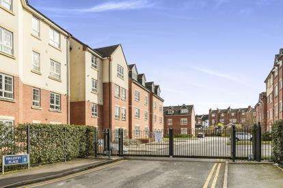 2 Bedrooms Flat for sale in Wallwin Place, Warwick, .