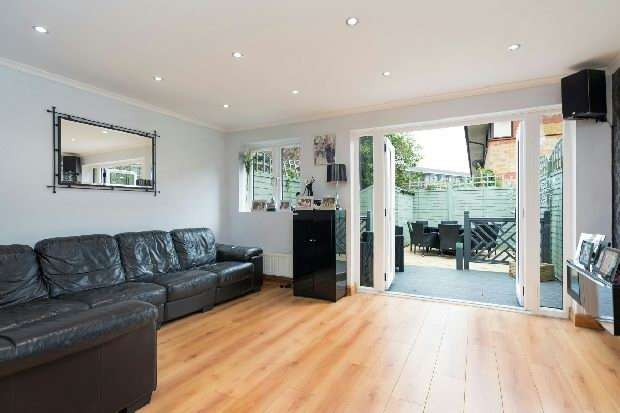 3 Bedrooms Unique Property for sale in Raydon Street, Dartmouth Park, N19