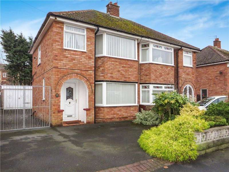 3 Bedrooms Semi Detached House for sale in Pinewood Avenue, Bispham, Blackpool