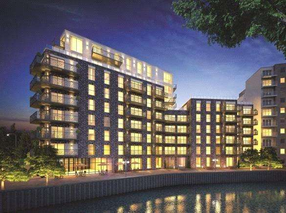 2 Bedrooms Flat for sale in Leven Wharf, London, E14