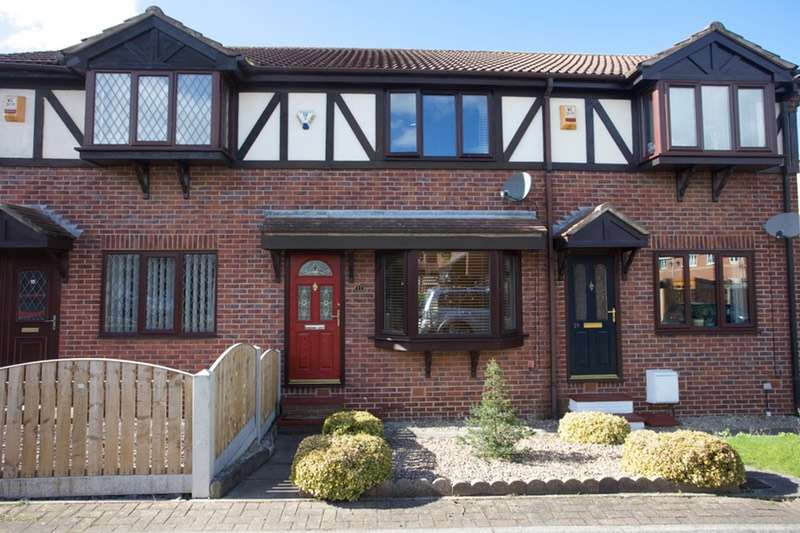 2 Bedrooms Terraced House for sale in Cedar Grove, Featherstone, West Yorkshire, WF7