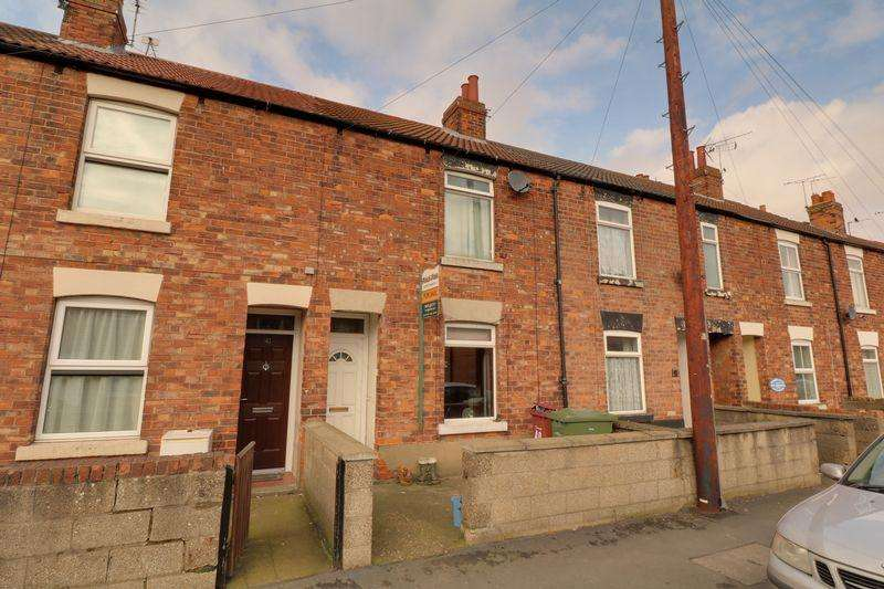 3 Bedrooms Terraced House for sale in Glebe Road, Brigg