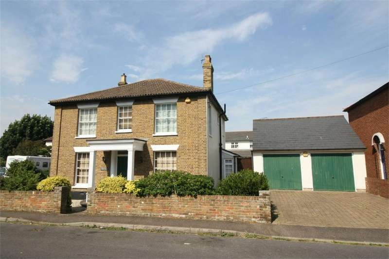 5 Bedrooms Detached House for sale in New Road, Burnham-on-Crouch, Essex