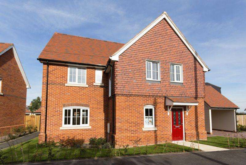 4 Bedrooms Detached House for sale in Plot 12, Woodnesborough