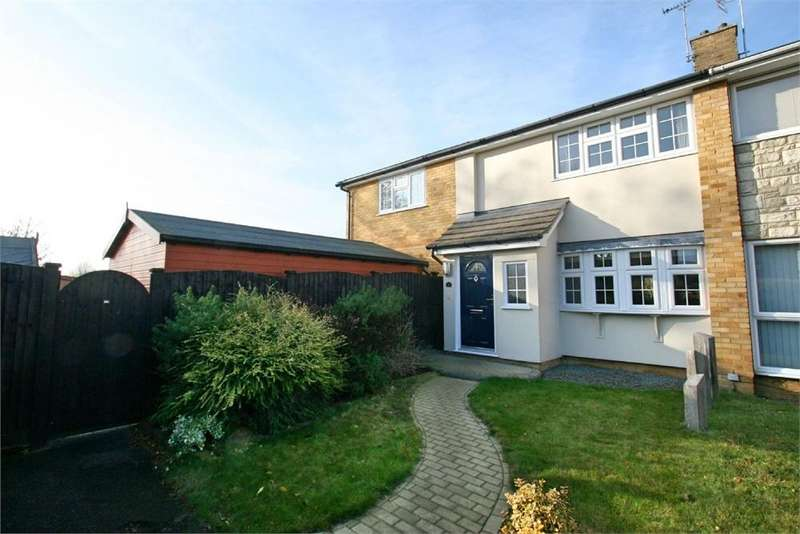 3 Bedrooms Detached House for sale in Laburnum Way, WITHAM, Essex