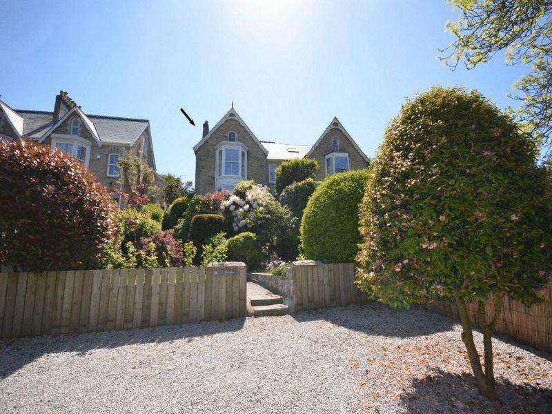 6 Bedrooms Semi Detached House for sale in Tregolls Road, Truro