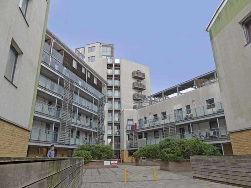 2 Bedrooms Flat for sale in Fleet Street Brighton East Sussex BN1