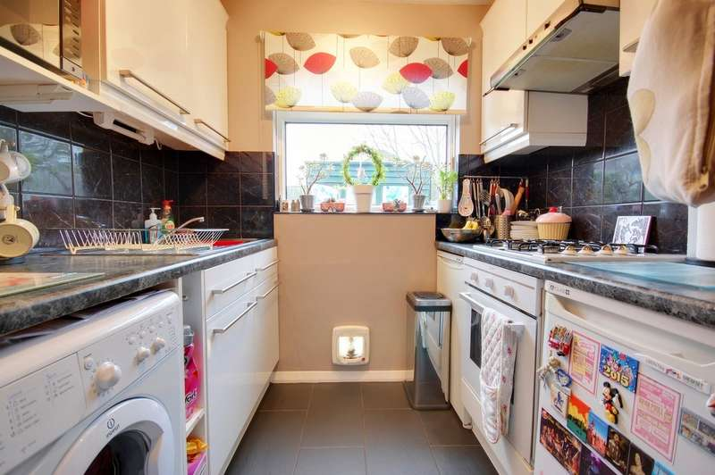 2 Bedrooms End Of Terrace House for sale in Rye Walk, Herne Bay