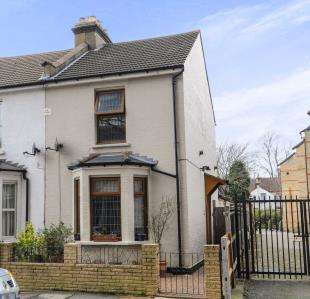 3 Bedrooms Semi Detached House for sale in Church Road, Croydon