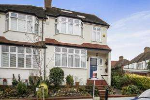 4 Bedrooms Semi Detached House for sale in Semley Road, London