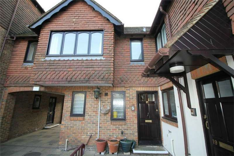 1 Bedroom Retirement Property for sale in St Martins Way, BATTLE, East Sussex