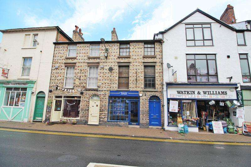 2 Bedrooms Apartment Flat for sale in Berwyn Street, Llangollen