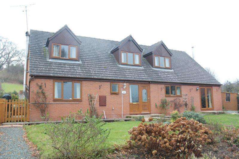 3 Bedrooms Detached House for sale in Trewern, Welshpool, Powys, SY21 8EE