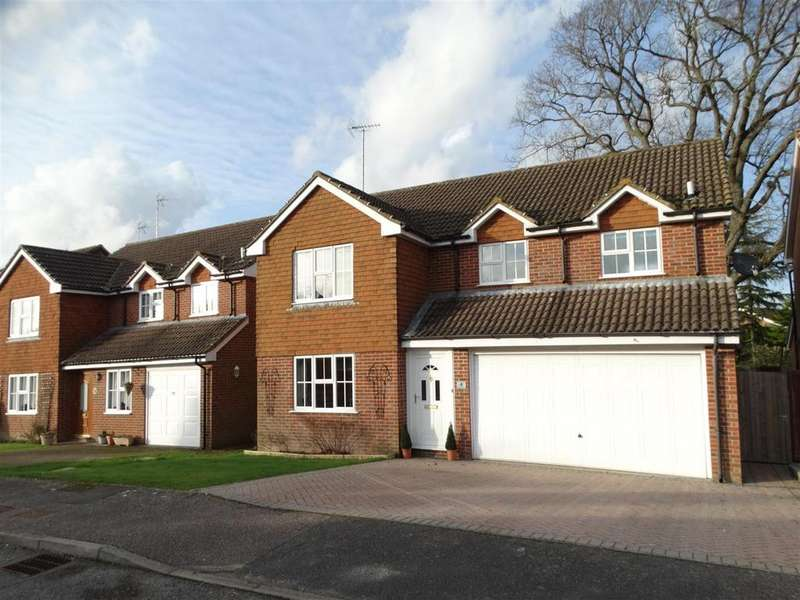 4 Bedrooms Detached House for sale in Folders Close, Burgess Hill